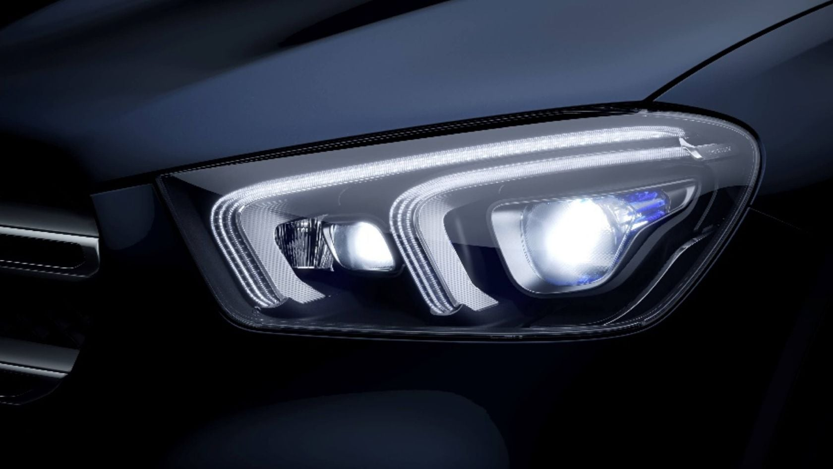 Mercedes-Benz GLE SUV: fascinating LED light pattern