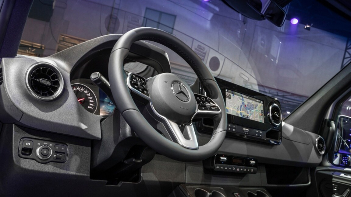 Vans, Love your work, New generation sprinter reveal, Interior, Cockpit space