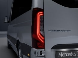 Sprinter Panel Van, adaptive brake lights