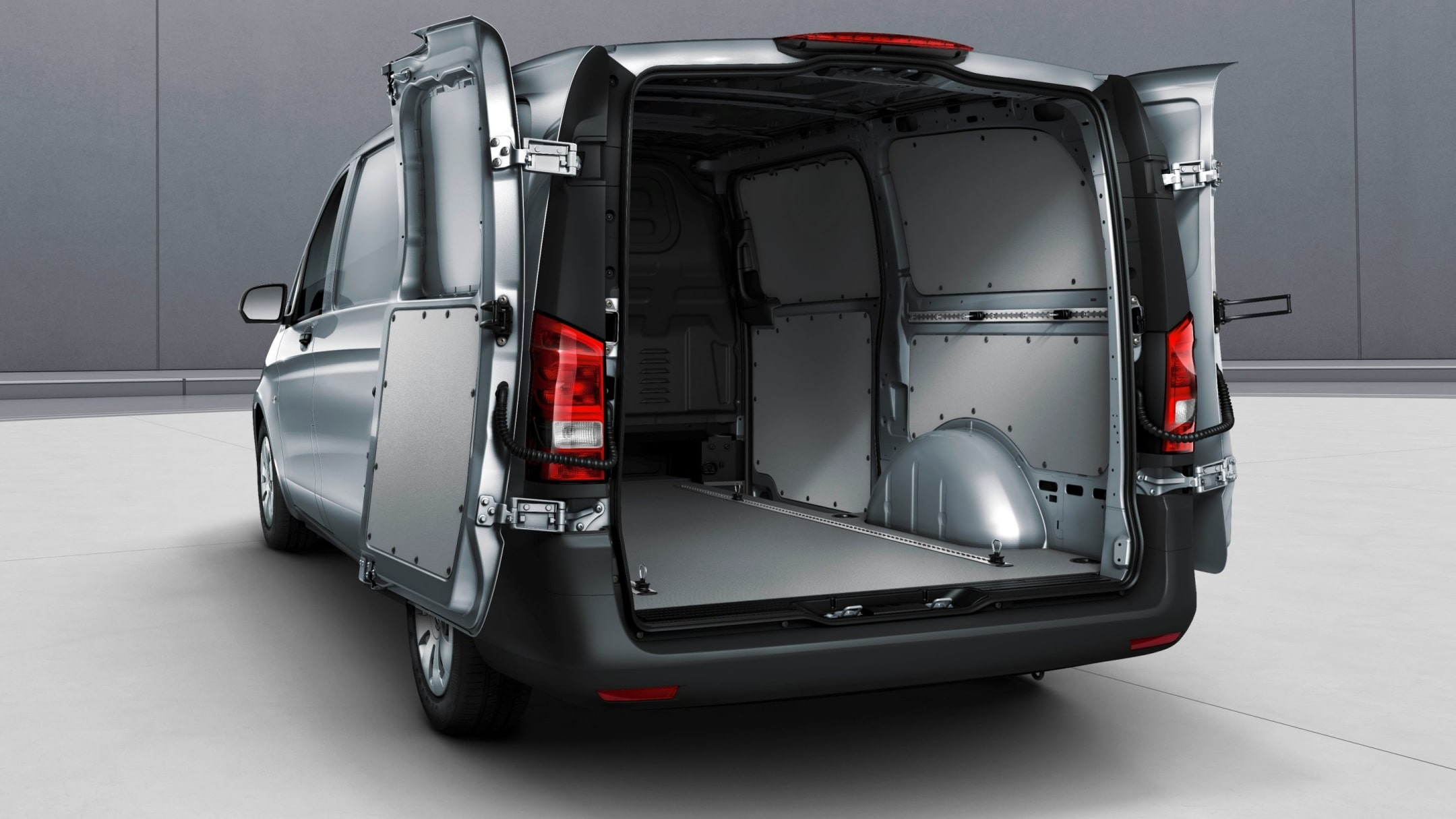 Vito panel van, double-wing rear doors, opening to sidewall