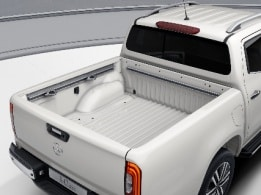 X-Class, POWER grade, electric sliding partition, rear window