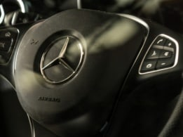 X-Class safety, airbags